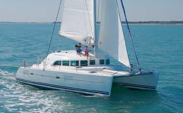 Catamarano Lagoon 380 S2 – Tropea