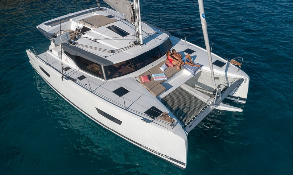 astrea-42-fountaine-pajot-sailing-catamarans-img-1